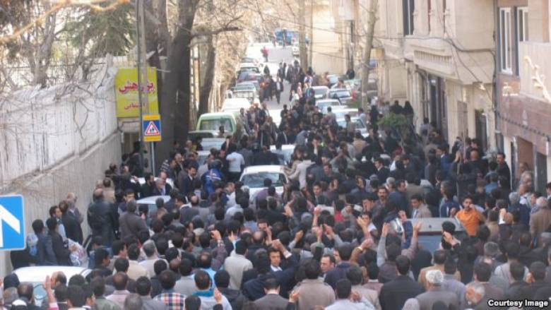 تجمع دراویش گنابادی و درگیری شدید بین پلیس و تجمعکنندگان + فیلم
