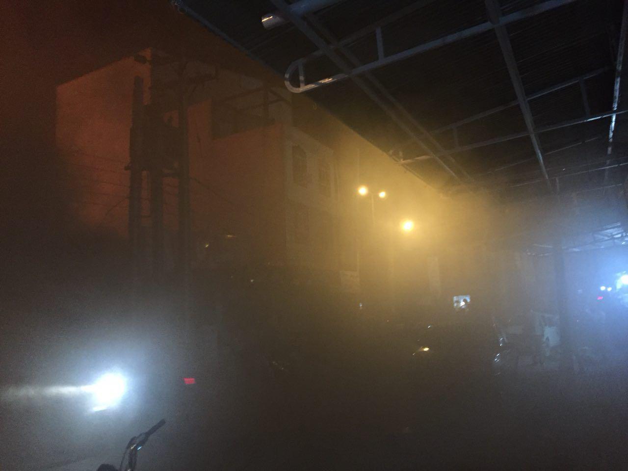 فوری  :   بخشهایی از بازار امام ایذه طعمه حریق شد (آتش سوزی) | خوزستان خبر