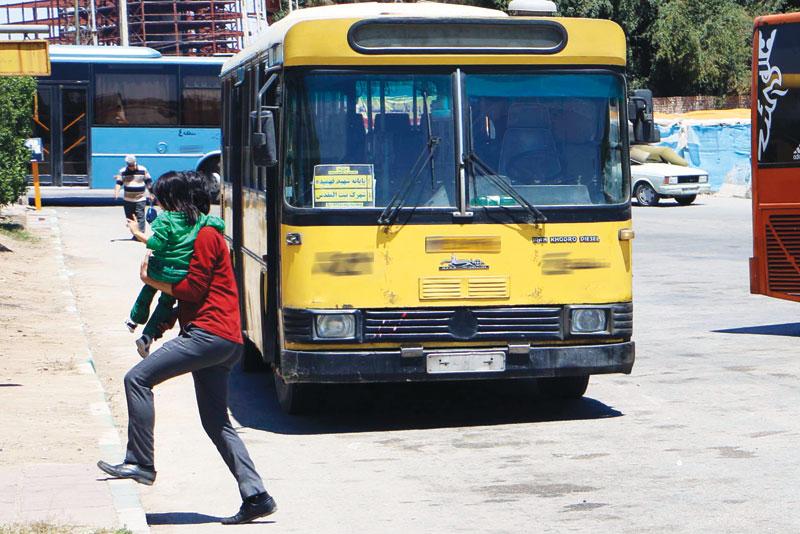 دود کشمکش دولت و شهرداری اهواز برای تجهیز اتوبوسها در چشم شهروندان